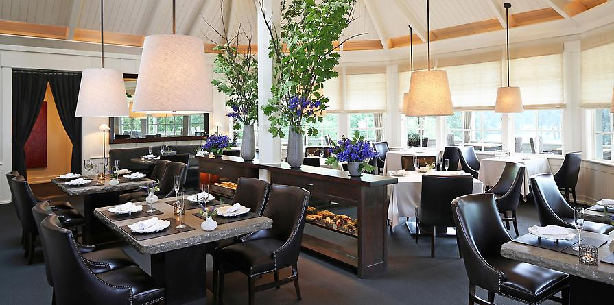 The dining room as seen on the Meadowood website: http://www.therestaurantatmeadowood.com/about